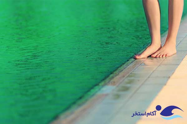 عکس سبز شدن آب استخر