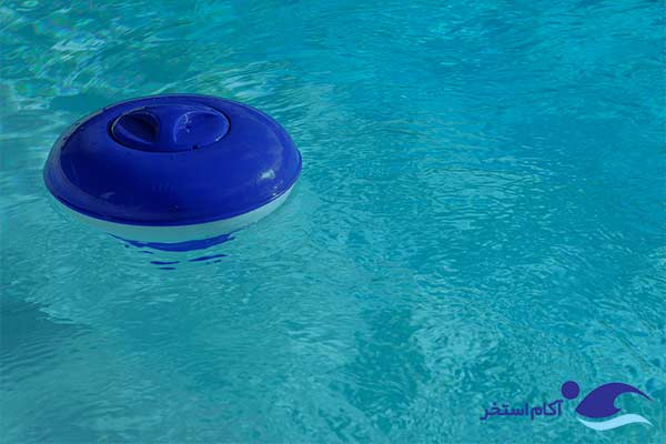 عکس دستگاه کلرزن شناور استخر